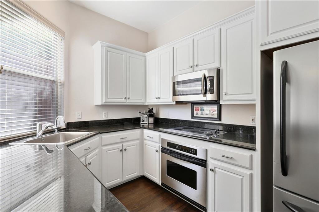 Sold Property   4119 Throckmorton Street Dallas, Texas 75219 12