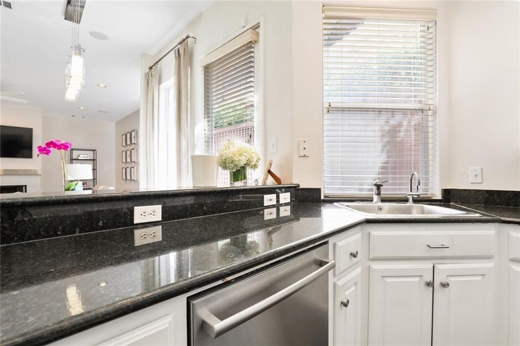 Sold Property   4119 Throckmorton Street Dallas, Texas 75219 16