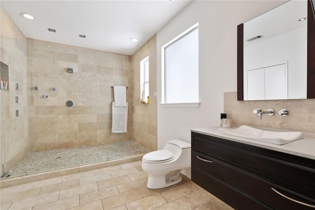 Sold Property   4119 Throckmorton Street Dallas, Texas 75219 32
