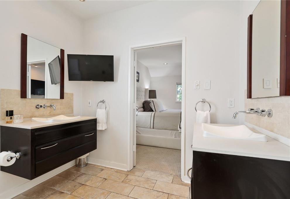 Sold Property   4119 Throckmorton Street Dallas, Texas 75219 33