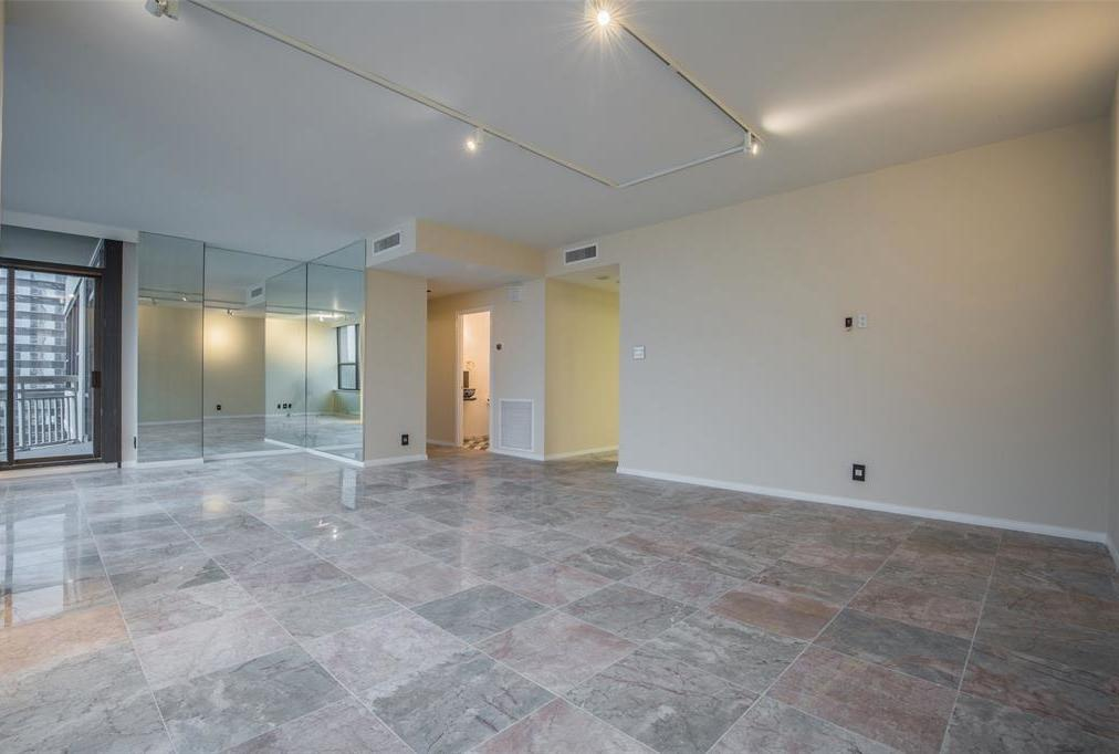 Off Market | 14 Greenway Plaza #13M Houston, Texas 77046 2