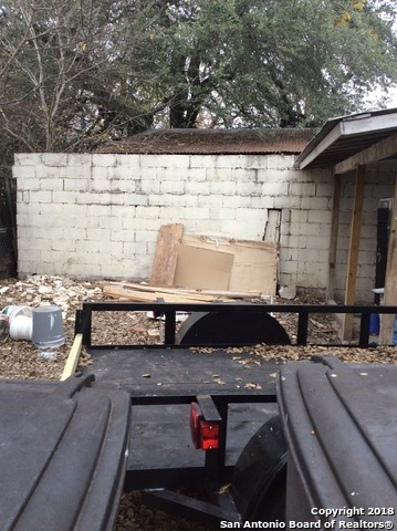 Active | 5423 S Zarzamora St  San Antonio, TX 78211 21