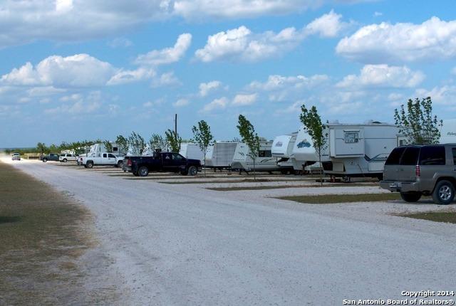 Active | 454 County Road 136 Kenedy, TX 78119 2