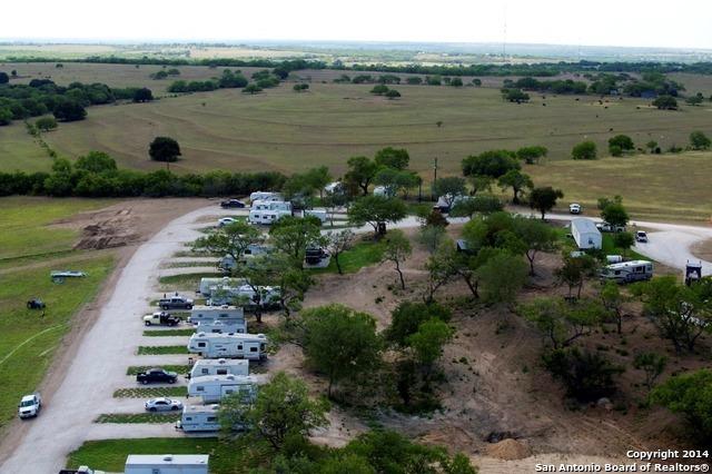 Active | 454 County Road 136 Kenedy, TX 78119 7
