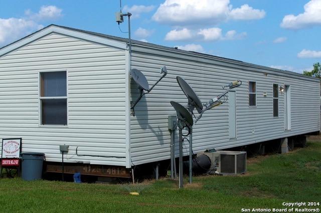 Active | 454 County Road 136 Kenedy, TX 78119 8