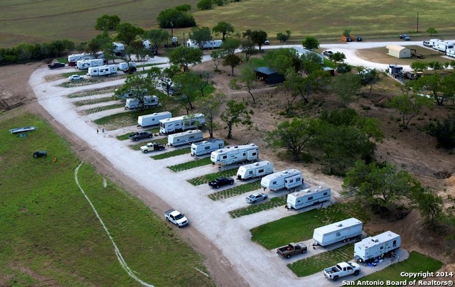 Active | 454 County Road 136 Kenedy, TX 78119 10