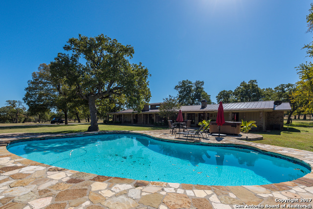 Sold Property | 225 Hugo Real Rd  Kerrville, TX 77954 11