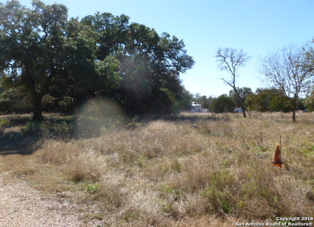 Active | LOT 13 SADDLE HORN  Bandera, TX 78003 3