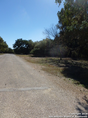 Active | LOT 13 SADDLE HORN  Bandera, TX 78003 7