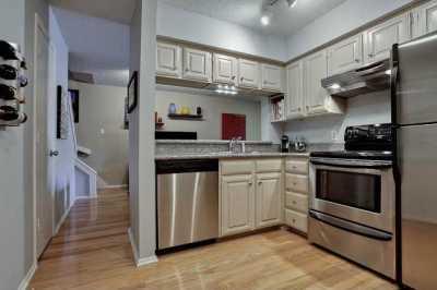 Sold Property | 5200 Martel Avenue #11P Dallas, Texas 75206 4