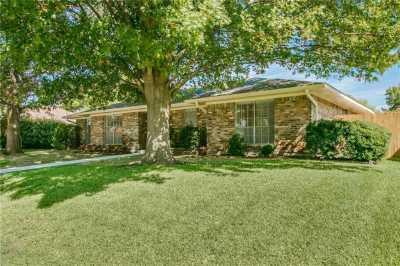 Sold Property   1933 Kentwood Lane Carrollton, Texas 75007 4