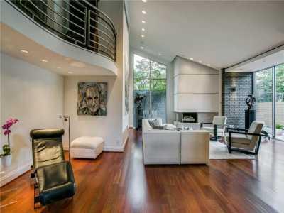 Sold Property | 6627 Velasco Avenue Dallas, Texas 75214 3