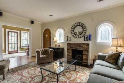 Sold Property | 910 Monte Vista Drive Dallas, Texas 75223 4