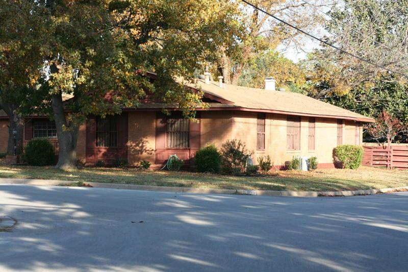 Leased | 1501 Ashland Street Arlington, Texas 76012 2