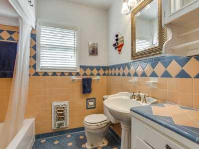 Sold Property | 7119 Casa Loma Avenue Dallas, Texas 75214 10