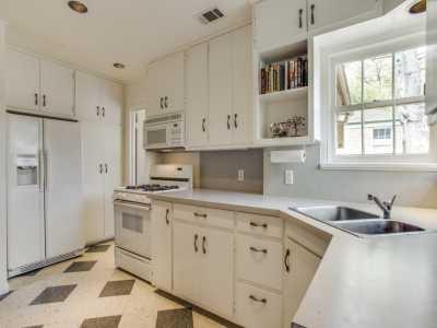 Sold Property | 7119 Casa Loma Avenue Dallas, Texas 75214 15