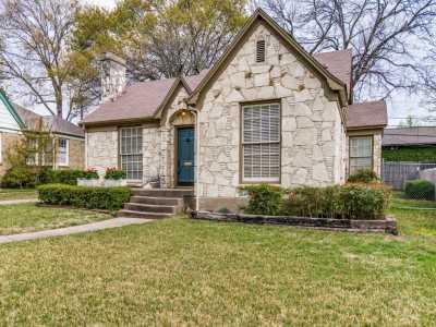 Sold Property | 7119 Casa Loma Avenue Dallas, Texas 75214 20