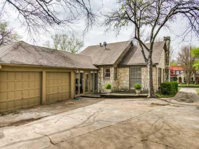 Sold Property | 7119 Casa Loma Avenue Dallas, Texas 75214 3