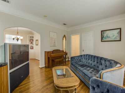Sold Property | 7119 Casa Loma Avenue Dallas, Texas 75214 5