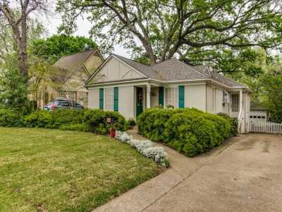 Sold Property | 614 Blair Boulevard Dallas, Texas 75223 1