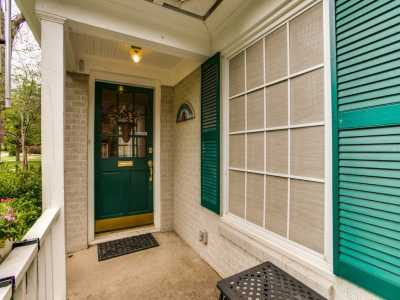 Sold Property | 614 Blair Boulevard Dallas, Texas 75223 2