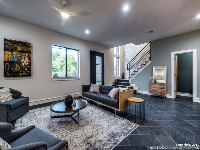 Active Option | 310 Clay St, Residence 14  San Antonio, TX 78204 5