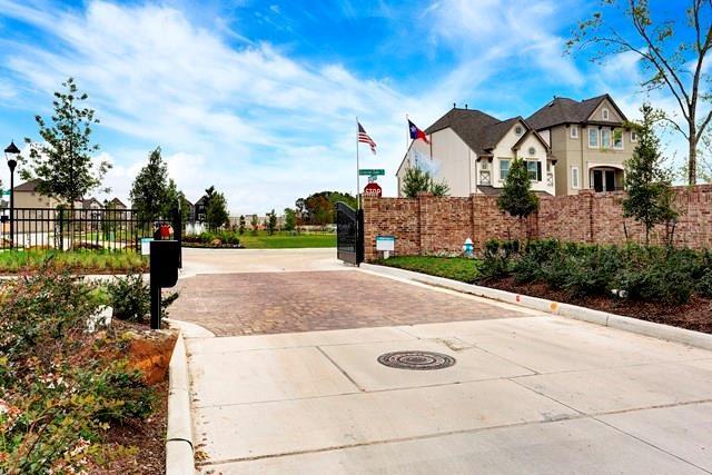 Off Market | 1504 Brayson Oaks Place  Houston, Texas 77043 5