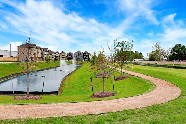 Off Market | 1504 Brayson Oaks Place  Houston, Texas 77043 7