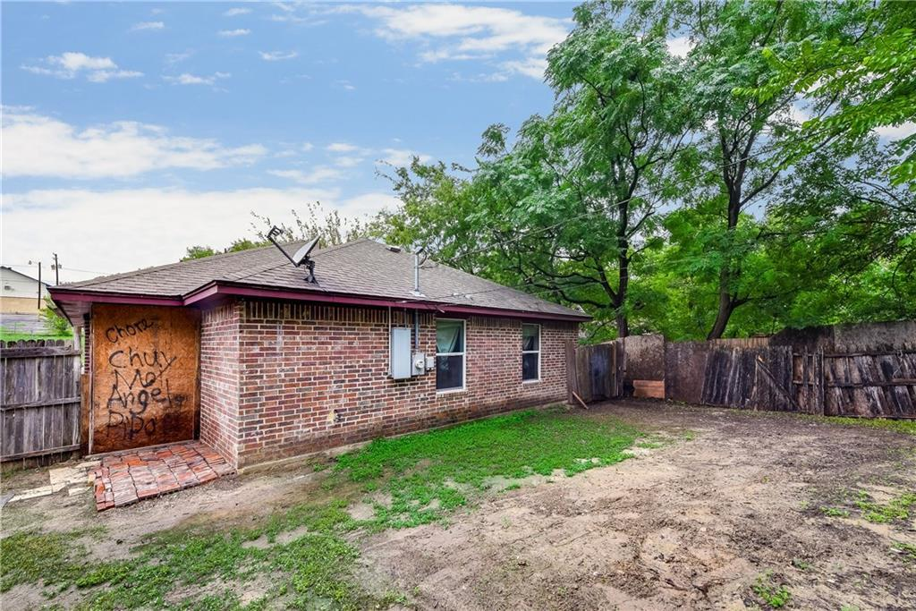 Sold Property   2620 Market Avenue Fort Worth, Texas 76164 15
