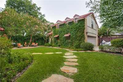 Sold Property | 7102 Lakewood Boulevard Dallas, Texas 75214 32
