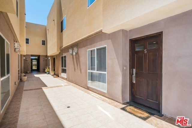 Off Market | 5625 FARMDALE Avenue #5 North Hollywood, CA 91601 1