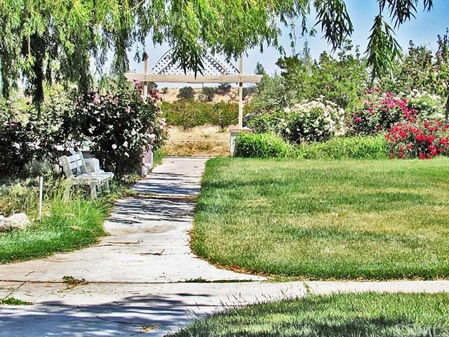 Off Market | 48745 3 Points Road Lake Hughes, CA 93532 34