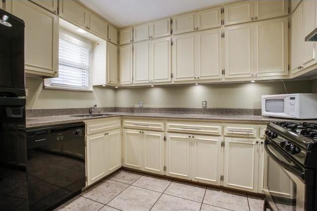 Sold Property | 815 Newell Avenue Dallas, Texas 75223 3