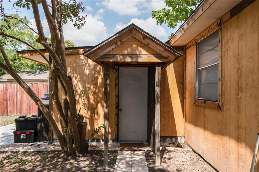 Pending | 6835 Tyree Street Dallas, TX 75209 20