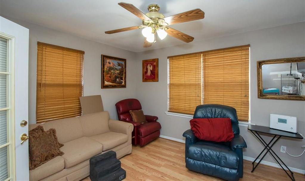 Pending | 6835 Tyree Street Dallas, TX 75209 5