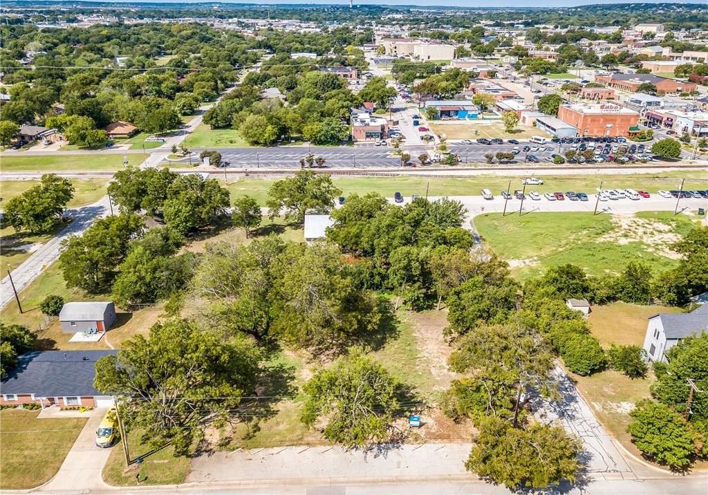 Active | 200 S Dobson Street Burleson, Texas 76028 3