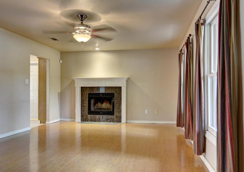 Home for Sale in Bastrop, Bastrop home for sale, Bastrop for sale, Bastrop Real Estate | 372 Lamaloa Lane Bastrop, Texas 78602 7