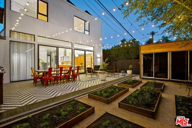 Active   533 NORWICH Drive West Hollywood, CA 90048 16