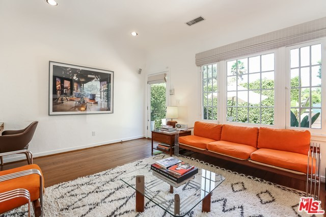 Active   533 NORWICH Drive West Hollywood, CA 90048 18