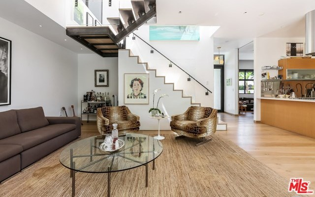 Active   533 NORWICH Drive West Hollywood, CA 90048 5