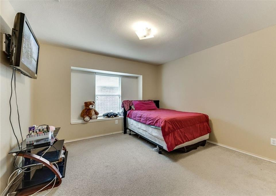 Sold Property | 421 Charming Avenue Cedar Hill, Texas 75104 10
