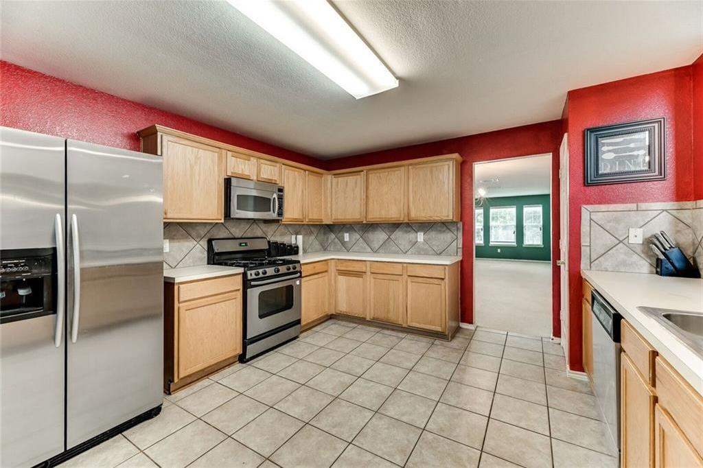 Sold Property | 421 Charming Avenue Cedar Hill, Texas 75104 5