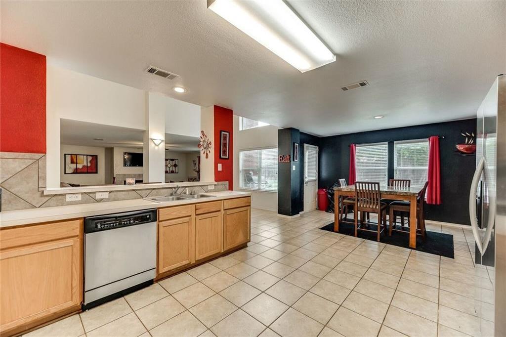 Sold Property | 421 Charming Avenue Cedar Hill, Texas 75104 6
