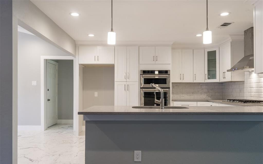 Sold Property | 10008 Dahman Circle Dallas, Texas 75238 11
