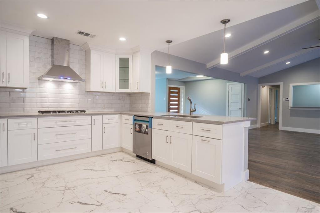 Sold Property | 10008 Dahman Circle Dallas, Texas 75238 12