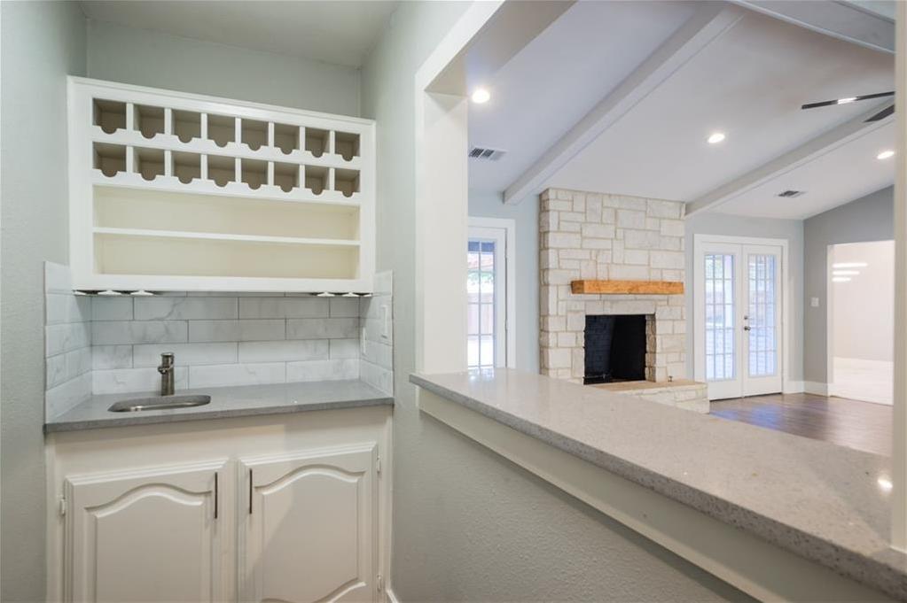 Sold Property | 10008 Dahman Circle Dallas, Texas 75238 14