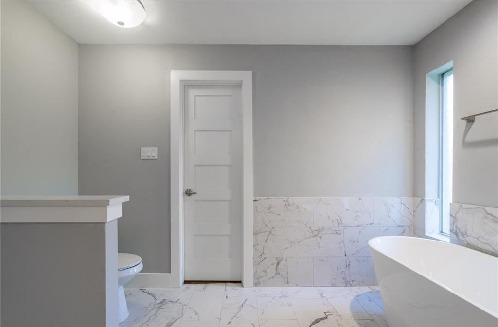 Sold Property | 10008 Dahman Circle Dallas, Texas 75238 20