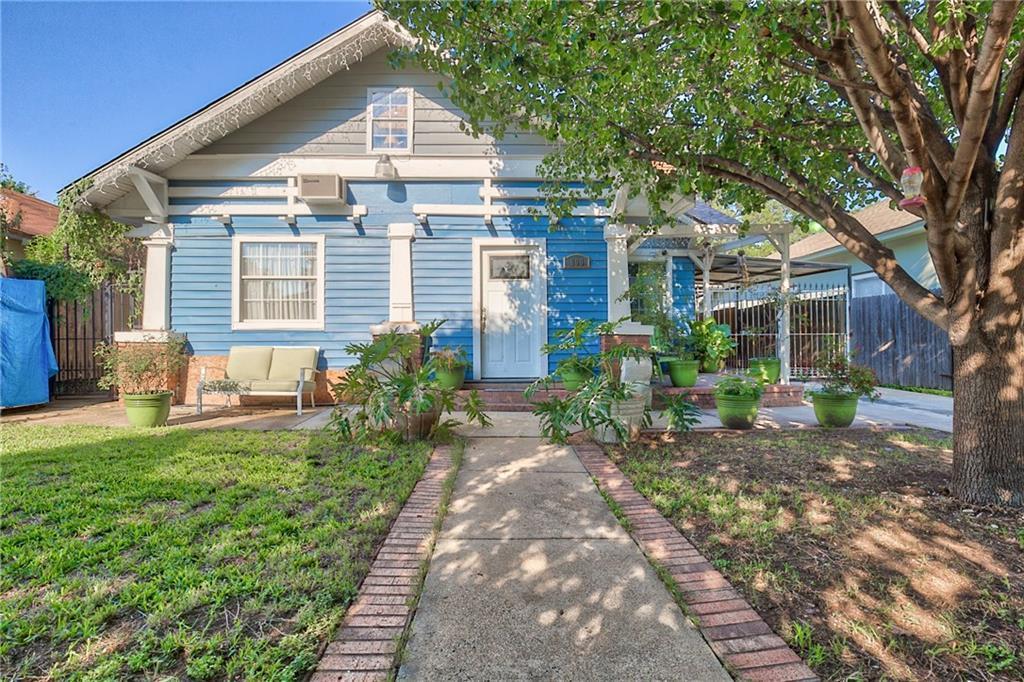 Sold Property | 809 S Montreal Avenue Dallas, Texas 75208 0