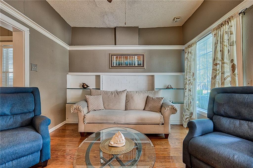 Sold Property | 809 S Montreal Avenue Dallas, Texas 75208 9