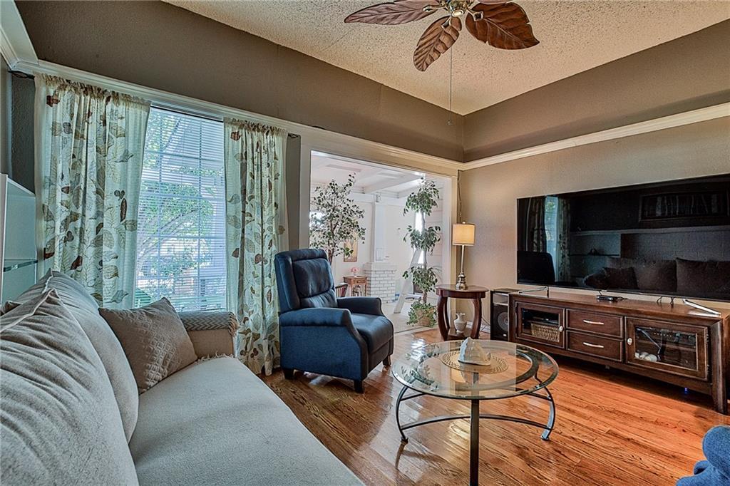 Sold Property | 809 S Montreal Avenue Dallas, Texas 75208 10